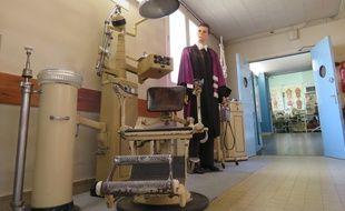 Le conservatoire du patrimoine hospitalier de Rennes ressemble à un cabinet des curiosités où s'entassent plus de 6.000 objets.