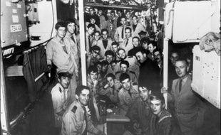 Des hommes d'équipage du sous-marin La Minerve, disparu en 1968 au large de Toulon.