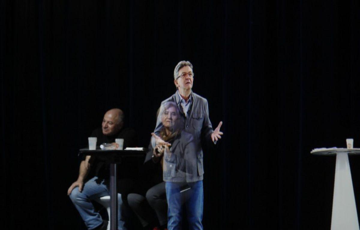 L'hologramme de Mélenchon en meeting à Paris – Thomas SAMSON / AFP