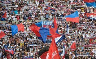 Les supporters lyonnais, ici lors de la réception de Bordeaux samedi au Parc OL (1-1). ROMAIN LAFABREGUE