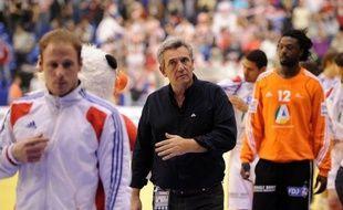 """""""Ce n'est pas la fin de l'histoire"""", a assuré mardi devant la presse le sélectionneur de l'équipe de France, Claude Onesta, après l'échec des Bleus à l'Euro où, en raison de leur défaite face à la Croatie, ils ne remporteront pas leur cinquième médaille d'or en cinq ans."""