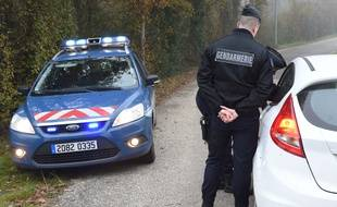 Les gendarmes sur les lieux du drame à Foulayronnes, près d'Agen. / AFP
