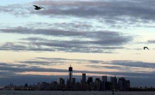 Le maire de New York a annoncé mardi la fermeture des plages et des parcs alors qu'une nouvelle tempête est annoncée mercredi dans la région durement éprouvée par l'ouragan Sandy, et certains vols ont d'ores et déjà été annulés.