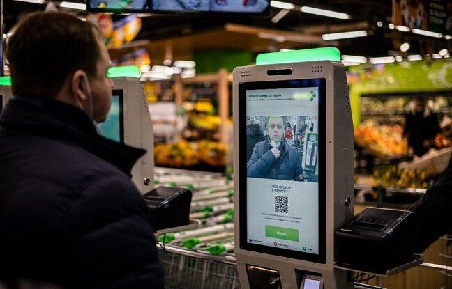 648x415 caisse paiement reconnaissance faciale magasin russie