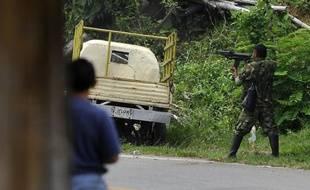 L'armée colombienne a infligé lundi une nouvelle lourde défaite à la guérilla marxiste des Farc, dont au moins 35 membres ont été abattus, une semaine avant la libération attendue des derniers policiers et militaires détenus en otage.
