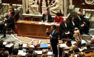 Le Premier ministre Manuel Valls à l'Assemblée nationale, à Paris, le 15 décembre 2015