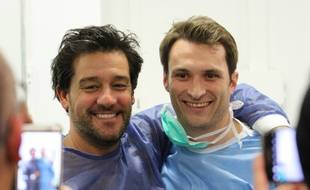 Le comédien Titoff et Florent Speroni, sur le tournage d'une vidéo dans un bloc opératoire de Nancy.