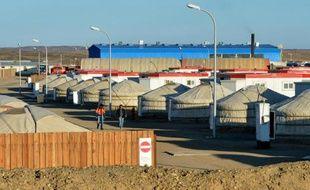 Un camp de yourtes mongoliennes où sont logés les employés de la mine d'Oyu Tolgoï, le 23 juin 2012