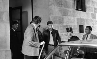 Lionel Cardon, en 1984, à sa sortie du Palais de Justice de Bordeaux.