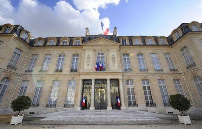 L'Elysée a commandé durant le quinquennat de Nicolas Sarkozy pour 9,4 millions d'euros de sondages et études, a dévoilé jeudi Raymond Avrillier, le militant écologiste grenoblois qui en a obtenu les factures après un recours en justice.
