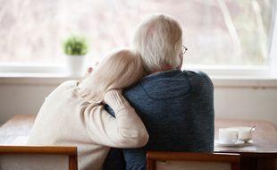 La donation entre époux permet d'augmenter les droits du conjoint survivant lors de la succession.