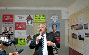 Le socialiste Henri Jibrayel, lors d'une conférence de presse en 2012.