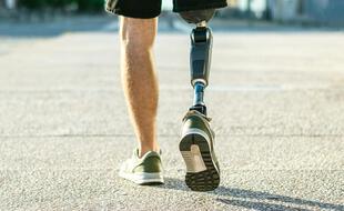Exemple de prothèse biomécanique de la jambe