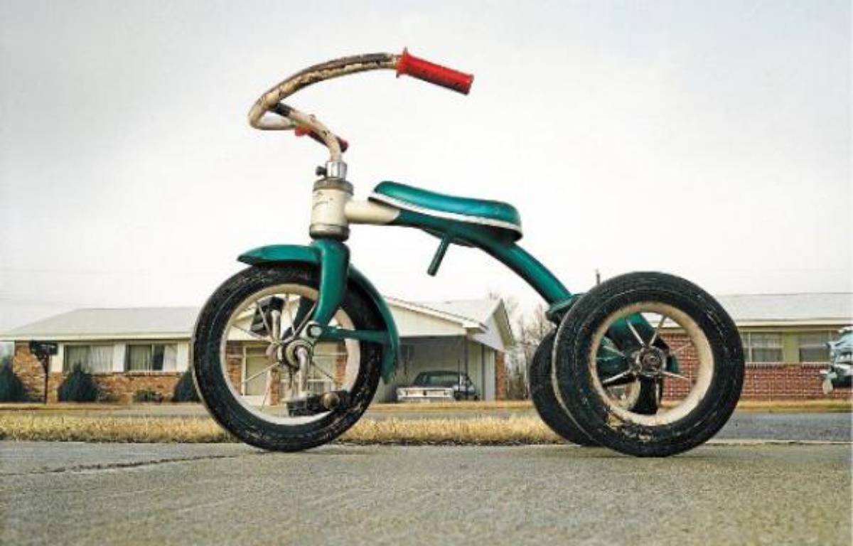 Tricycle de William Eggleston (1970) a été adjugé 578500dollars lors d'une vente en mars. –  DR