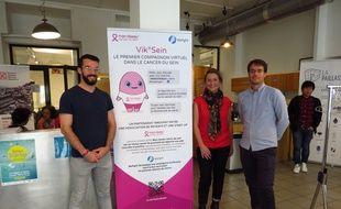 Charles (à g.), Laure Guéroult-Accolas et Benoît (à d.) ont développé ensemble ce chatbot, Vik, avec des informations fiables, accessibles et vulgarisées pour tous les patients atteints d'un cancer du sein et leurs proches.