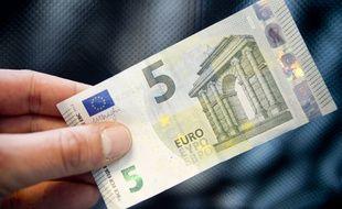 Un billet de 5 euros (illustration)