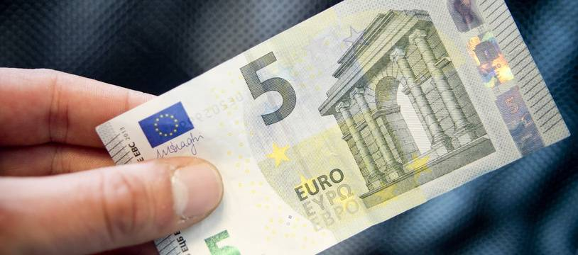 Un billet de 5 euros.