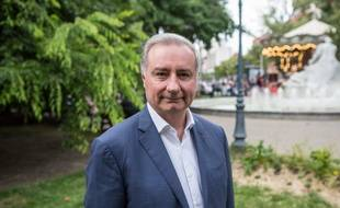 Jean-Luc Moudenc, maire sortant (LR) de Toulouse, est au coude-à-coude avec le candidat de la gauche, l'écologiste Antoine Maurice.