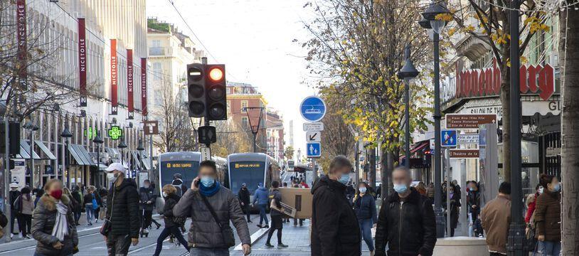 L'avenue Jean-Médecin, à Nice, un jour de décembre