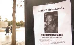 Des affiches ont été collées à Nantes par les proches de Mouhamed Kamara, pour tenter de le retrouver