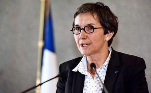 """La ministre française de la Jeunesse et des sports Valérie Fourneyron a annoncé qu'""""aucun membre du gouvernement ne sera aux matches en Ukraine"""" pour l'Euro-2012, jeudi à Reims avant le match amical de préparation France-Serbie."""