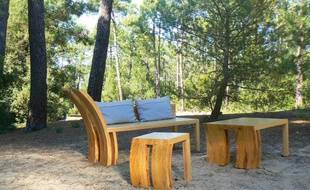 La gamme de meubles issue du pin délaissé suite à la tempête Klaus.