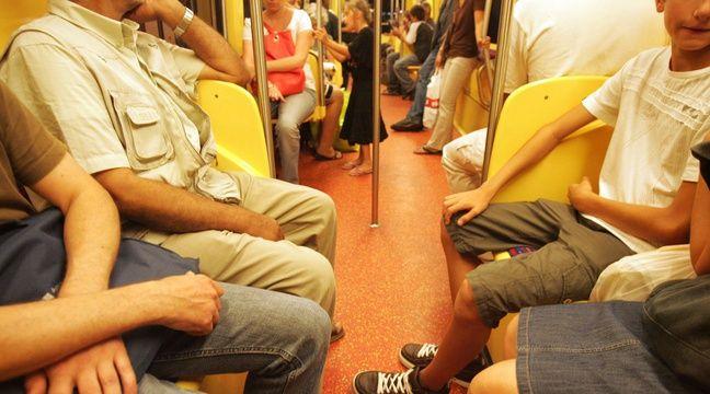 Lesbienne dans le train-3313