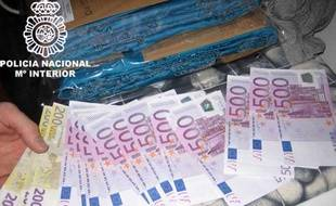 La police espagnole a interpellé des membres de la mafia géorgienne et saisi de l'argent en liquide en mars 2010.