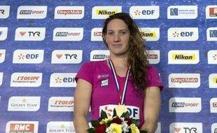 """La championne olympique du 400 m libre, Camille Muffat n'a pas savouré sa victoire sur sa distance fétiche (4:04.16) lors des Championnats de France, déclarant être """"déçue de (elle)-même"""" par rapport à sa construction de course à quatre mois des Mondiaux-2013 de Barcelone."""