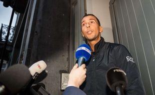 Mohamed Abdeslam interrogé par la presse.