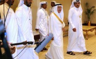 Le ministre saoudien du pétrole Ali al-Naimi (c) arrive à la réunion de l'OPEP à Doha, le 17 avril 2016