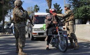 Des hommes armés ont pris d'assaut mercredi les bureaux du Comité international de la Croix-Rouge (CICR) à Jalababad, dans l'est de l'Afghanistan, causant la mort d'un garde chargé de la sécurité dans la deuxième attaque du genre en moins de 24 heures dans ce pays.