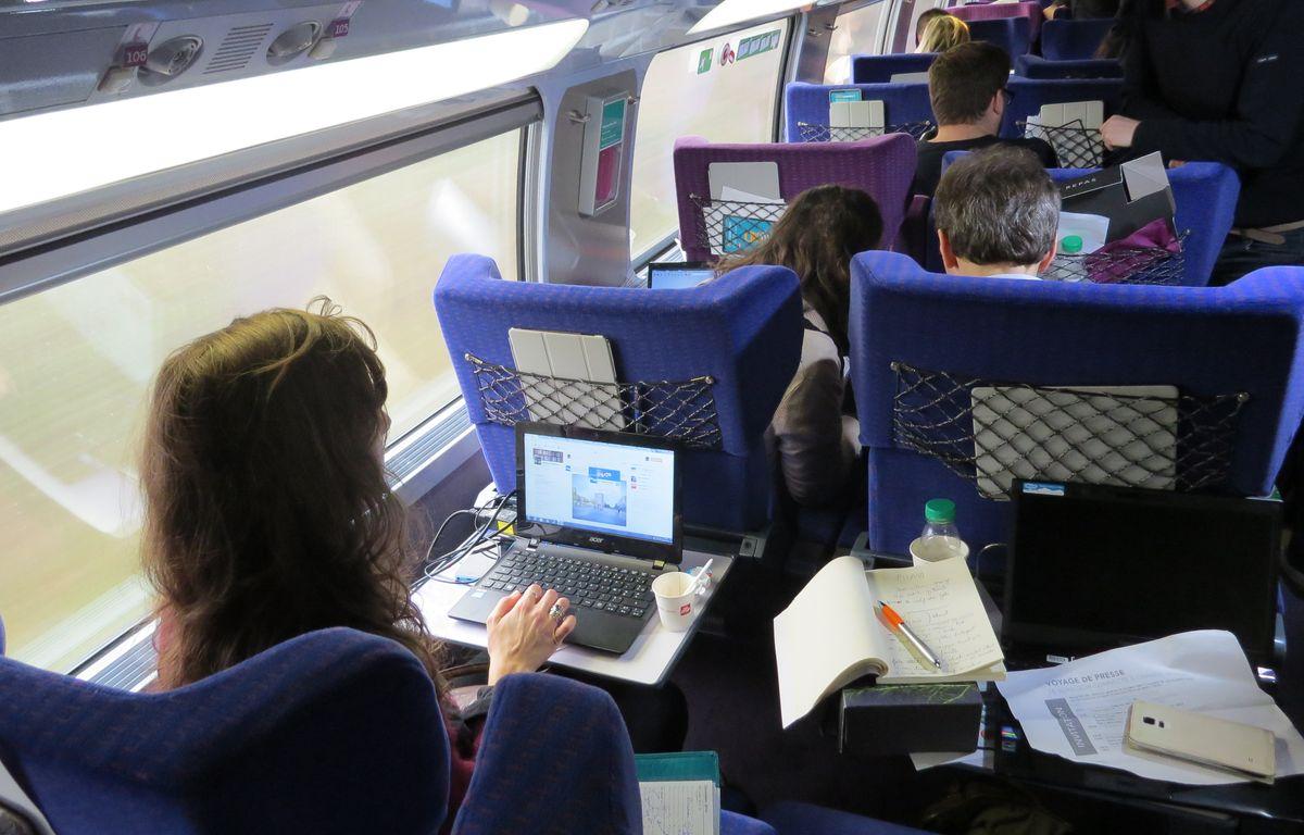 Lesvoyageurs du TGV Paris-Lyon pourront, à compter du 15 décembre, profiter d'un service de connexion internet à bord. – F. Pouliquen / 20 Minutes