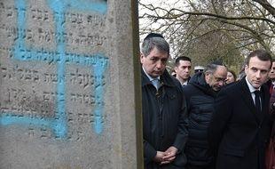 Emmanuel Macron s'est rendu, le 19 février 2019, au cimetière juif profané de Quatzenheim (Bas-Rhin).