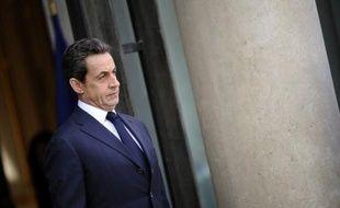 """Nicolas Sarkozy a qualifié lundi d'""""assez irresponsable"""" l'action de militants de Greenpeace dans la centrale de Nogent-sur-Seine (Aube), et assuré que """"la totalité des audits"""" sur la sûreté nucléaire serait publiée car """"la transparence, nous la devons aux Français""""."""