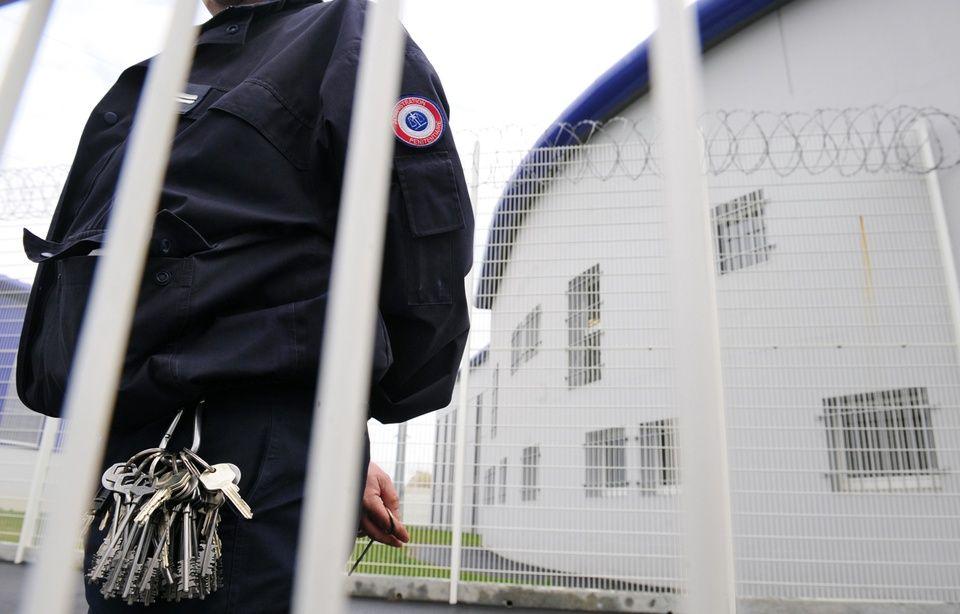Un surveillant, ici à la prison de Vezin-le-Coquet, près de Rennes.