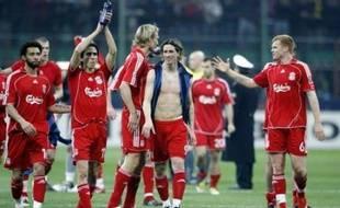 Liverpool, trois semaines après son succès (2-0) en 8e aller, a résisté pendant 50 minutes à la pression de l'Inter mardi à Milan, avant de voir sa tâche facilitée par l'exclusion de Burdisso pour obtenir un succès (0-1) synonyme de quarts de finale de la Ligue des champions.