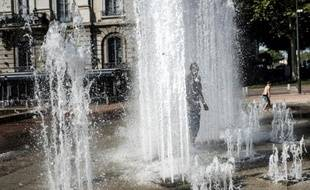 Les habitants sont invités à enregistrer les sons de la ville, comme le clapotis de Lyon. Illustration. J.Pachoud/ AFP