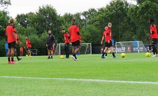 Les joueurs du Stade Rennais, ici le 1er juillet 2020 sur la pelouse du centre d'entraînement Henri Guérin, à la Piverdière.