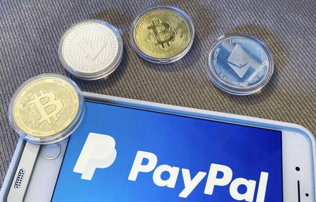 648x415 le logo paypal sur un smartphone et des pieces illustrant de la monnaie virtuelle