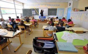 La rentrée scolaire devrait se faire finalement le 4 septembre comme prévu et non être avancée d'une journée comme l'avait suggéré Vincent Peillon afin de compenser un allongement des vacances de la Toussaint à l'automne, a-t-on appris mardi de source syndicale.