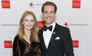 Les époux Kimberly et James van der Beek