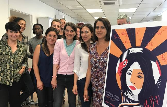 L'équipe niçoise qui a confectionné l'affiche de la coupe du monde féminine de football.