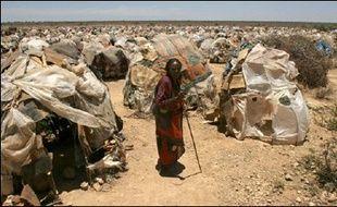 """La majorité des Etats membres de l'UE """"gonflent artificiellement"""" leur aide au développement en comptabilisant l'annulation des dettes des pays pauvres ou l'accueil en Europe de leurs réfugiés, ont dénoncé lundi des ONG européennes."""