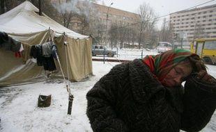 La vague de froid qui s'est abattue sur l'Europe centrale depuis une semaine a fait une quarantaine de nouveaux morts, notamment en Ukraine, Pologne et Roumanie, le bilan total dépassant les 120 victimes de températures scotchées depuis plusieurs jours autour de moins 30 degrés.