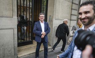 A quelques jours de son procès à Bobigny, Jean-Luc Mélenchon soigne sa communication.