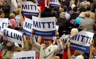 Des supporteurs républicains, lors de la Convention républicaine de Tampa, en Floride.