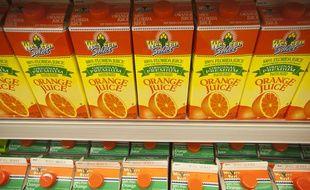 Des briques de jus d'orange