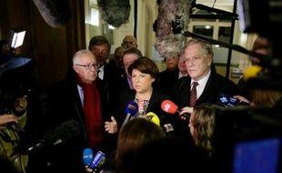 La pression politique s'est accentuée mardi dans le dossier La Redoute avec une visite de la maire socialiste de Lille, Martine Aubry, au siège de Kering pour appeler le groupe de luxe à assumer ses responsabilités envers l'emploi.