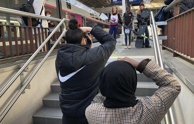 Cinq membres d'Analog Sport ont participé la semaine passée à une opération photo originale dans la gare de Perrache, à Lyon, avec les athlètes Laura Tarantola, Angelina Lanza et Chloé Trespeuch.
